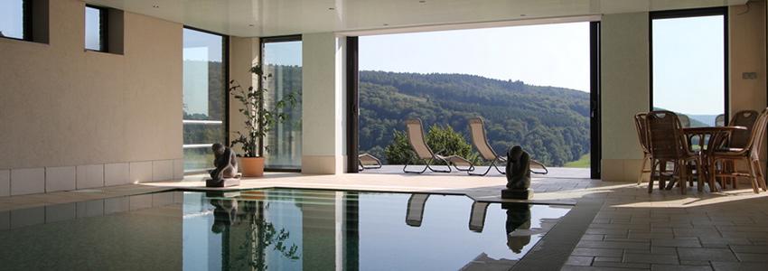 Appartement Ardennen met een zwembad met prachtig uitzicht over de vallei