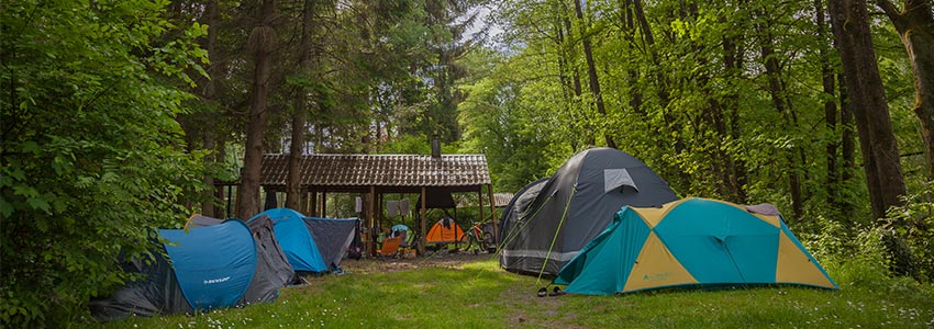 Ruim bivakveld om meerdere tenten op te plaatsen